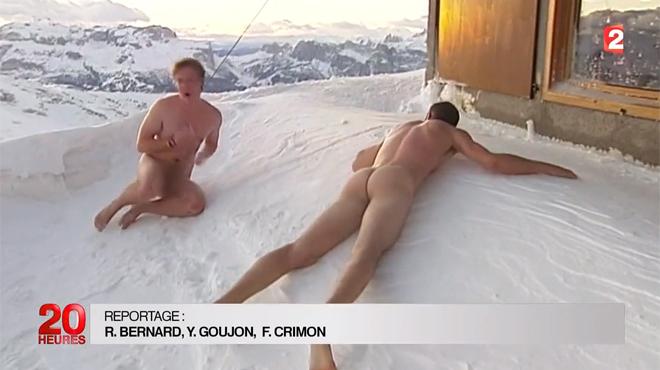 Photo nue sur la neige