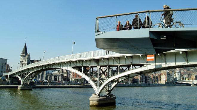 Grogne à Liège: le parking souterrain prévu place Cockerill signe l'arrêt de mort de la passerelle vers Outremeuse