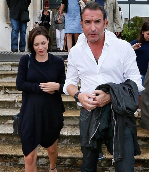 Jean dujardin et nathalie p chalat accueilleront bient t for Nathalie jean dujardin