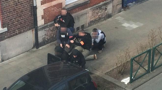 Opération anti-terroriste à Forest: trois policiers blessés dans une fusillade, l'auteur des tirs en fuite