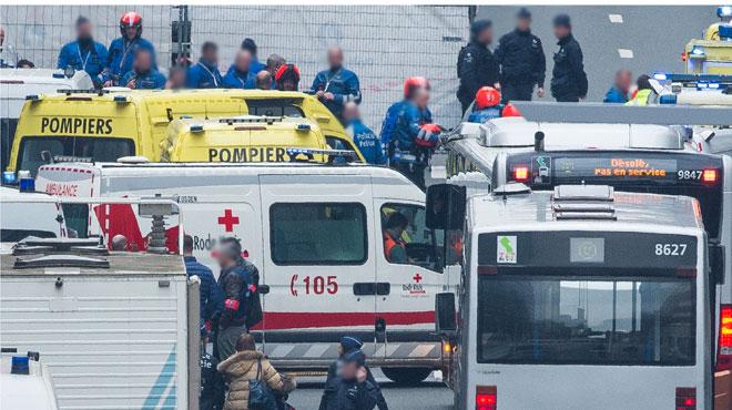 Le bilan des attentats de Bruxelles révisé: 28 personnes tuées, 3 kamikazes et 340 blessés