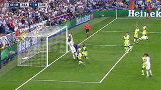 Ligue des champions- le geste étrange de Cristiano Ronaldo devant le but (vidéo) 4