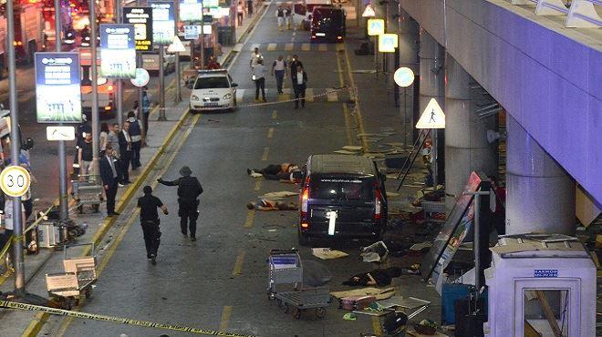 Triple attentat-suicide à l'aéroport d'Istanbul- le bilan s'alourdit à 41 morts et 239 blessés 1