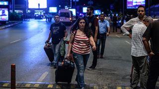Émilie, son mari et sa fille de 3 ans sont des rescapés des explosions à Istanbul - On se dit qu'on est des morts-vivants… 3
