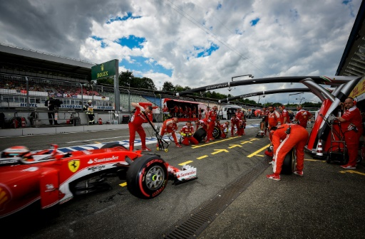 Rosberg en pole à la maison