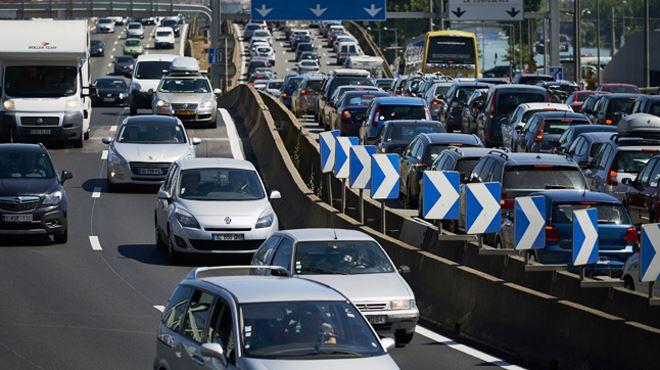 Départs en vacances- journée classée NOIRE en France, déjà de gros embouteillages 1