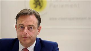 Bart De Wever veut un Patriot Act belge- C'est quand même fou que je ne puisse pas mettre de téléphone sur écoute 2