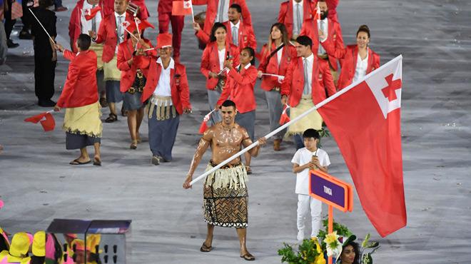 jo 2016 comment le porte drapeau des tonga a fait sensation lors de la c 233 r 233 monie d ouverture