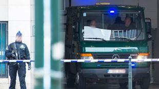 Attentats à Paris- Salah Abdeslam reste muré dans le silence et a refusé de comparaître devant le juge 3