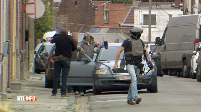 Arrestation musclée à Marcinelle par des hommes cagoulés et armés jusqu'aux dents- on en sait plus sur l'homme interpellé, un policier carolo 1