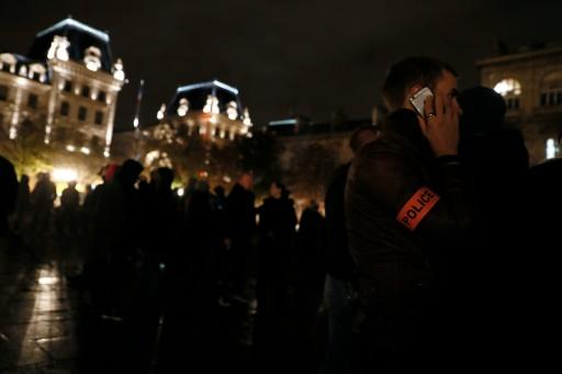 Nouvelle manifestation de policiers à Paris pour exprimer leur ras-le-bol