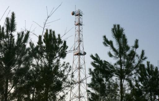 SFR prié d'accélérer le développement de son réseau dans les zones blanches
