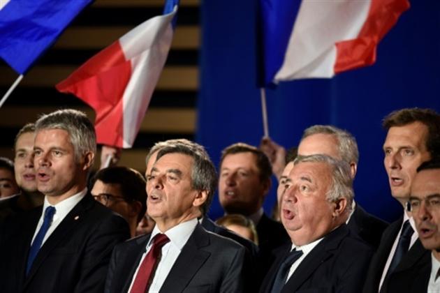 Bernard Accoyer prend la tête du parti Les Républicains — Annecy-le-Vieux
