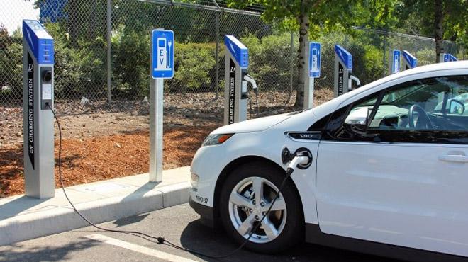 BMW, Daimler, Ford et VW s'allient — Electrique