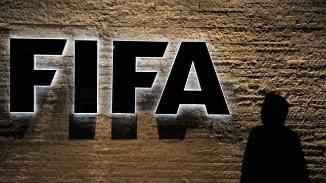Fifa : 2 ex-dirigeants africains suspendus à vie pour corruption