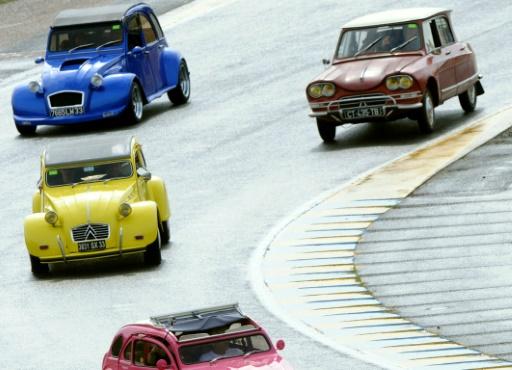 Ségolène Royal annonce des primes pour véhicules propres — Pollution