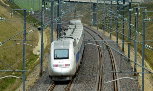 Environ 1 200 postes seront supprimés en 2017 — SNCF