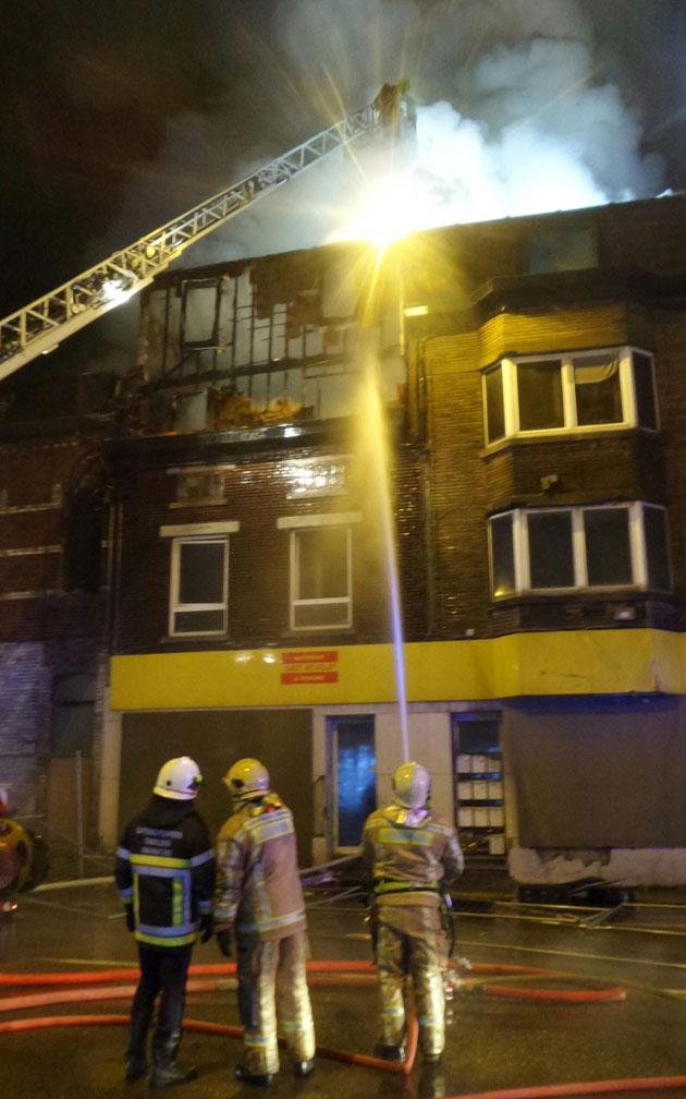 Home Notre Foyer Marcinelle : Quatre maisons prennent feu à charleroi un pompier brûlé