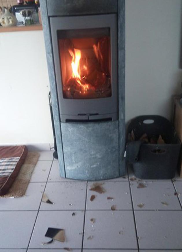 La vitre du poêle à bois de JeanPierre EXPLOSE (photos