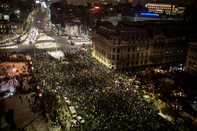 En Roumanie, des manifestations de masse contre un décret du gouvernement