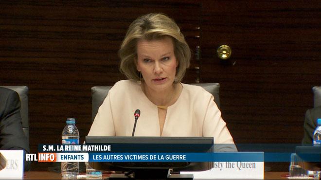 La reine Mathilde s'engage pour les enfants victimes de guerre