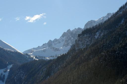 Avalanche dans les Hautes-Alpes. Un skieur décède