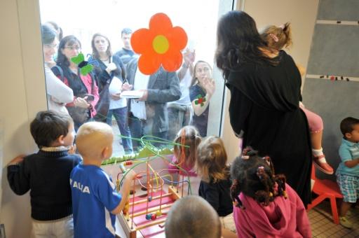 Le gouvernement s'engage à des améliorations — Assistantes en maternelle