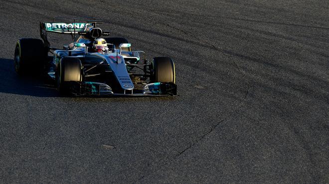 F1: Mercedes et Ferrari toujours au-dessus du lot lors des essais de Barcelone