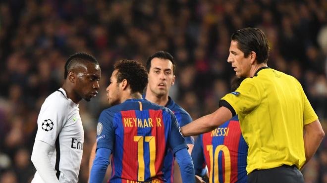 L'arbitre pourrait être sanctionné — Barça vs PSG
