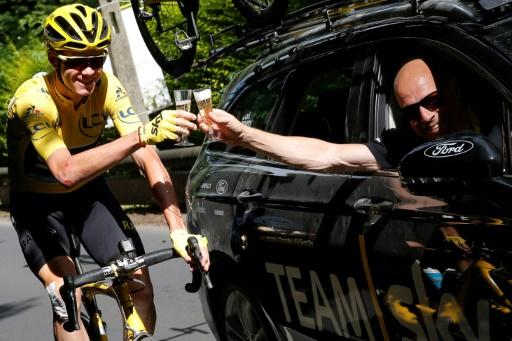 Yates s'impose, Alaphilippe reste en jaune — Paris-Nice