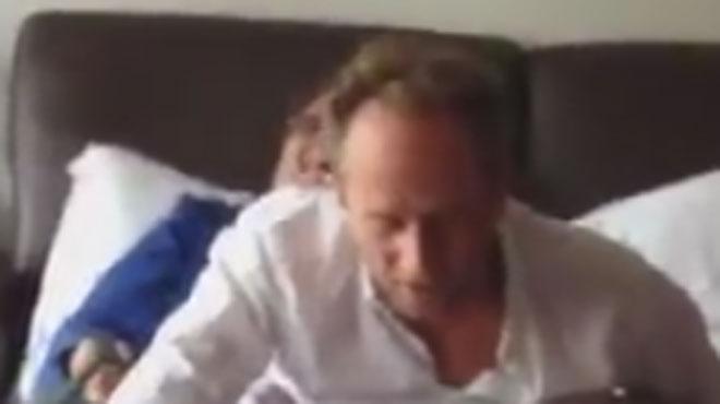 Benoît Poelvoorde profondément endormi pendant un tournage: l'idée SURRÉALISTE du réalisateur pour réveiller la star provoque le chaos (vidéo)