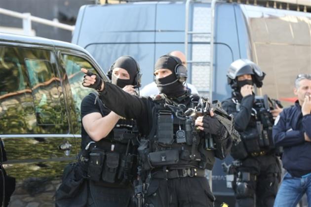 Fusillade dans un lycée en France: deux nouvelles interpellations