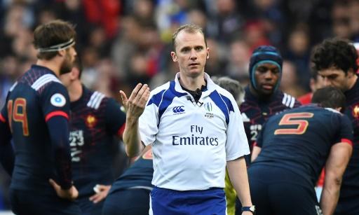 Six nations: pour Jones, l'arbitre anglais de France-Galles a