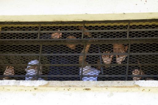Mutinerie au Guatemala: deux surveillants tués, quatre otages