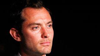 Jude Law victime d'un accident de voiture à Londres 4