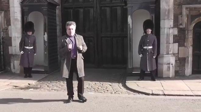 Angleterre : un touriste français rappelé à l'ordre par un garde royal