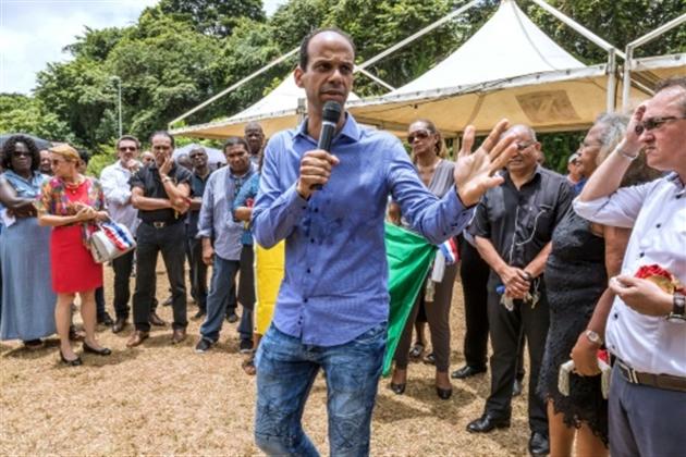 Cazeneuve annonce l'arrivée d'une délégation de ministres d'ici dimanche — Guyane