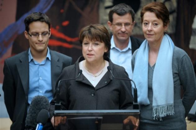 Soutiens à Macron : Hamon dénonce Valls et appelle Mélenchon à le rejoindre