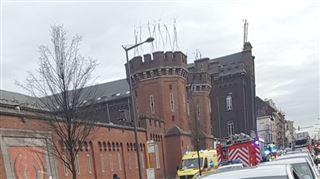 Important incendie au Petit-Château à Bruxelles- trois personnes intoxiquées 3