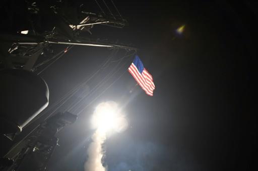 Frappes américaines en Syrie la Russie dénonce les alliés approuvent