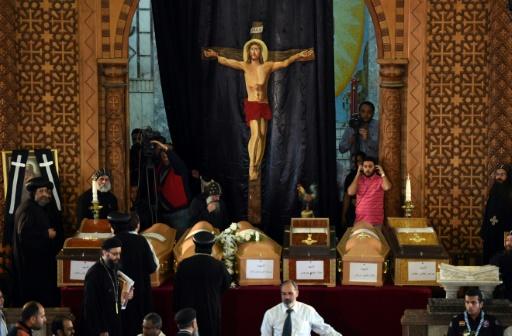 L'Etat islamique frappe deux églises coptes en Égypte