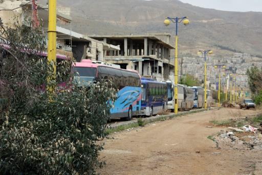Attentat contre des personnes évacuées en Syrie: 16 morts