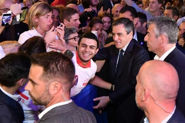 Nette avance pour Macron et Le Pen au premier tour — Présidentielle