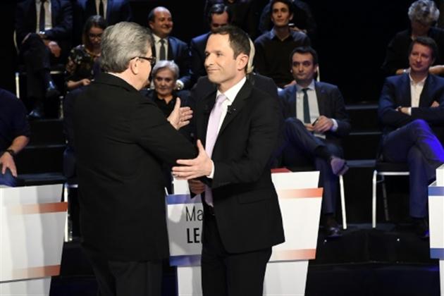 Sondage présidentielle française : Macron toujours en tête, Mélenchon fléchit