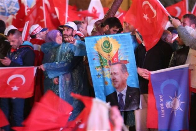 Trump félicite Erdogan pour sa victoire au référendum — Turquie