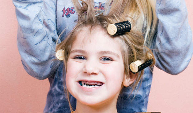 Des dizaines retrouvés dans les cheveux d'enfants — Perturbateurs endocriniens
