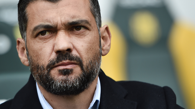 Furieux, Sergio Conceiçao claque la porte de la conférence de presse (vidéo)
