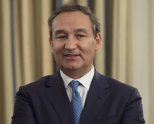 Chef de United Airlines privé de la présidence — Evacuation forcée