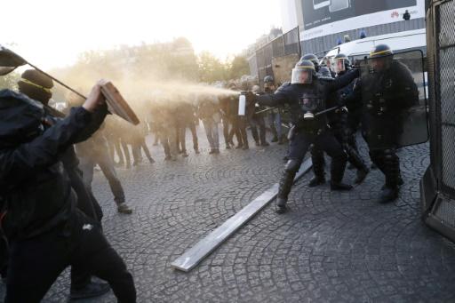 Présidentielle : manifestation tendue place de la Bastille