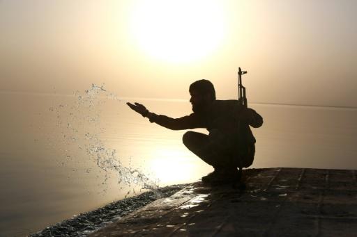 Syrie : des forces kurdes et arabes progressent contre l'EI